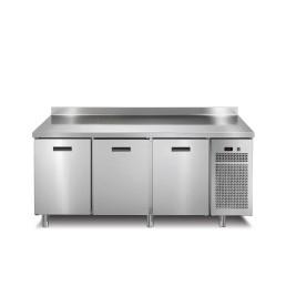 Tiefkühltisch 3 Türen mit 50 mm Aufkantung