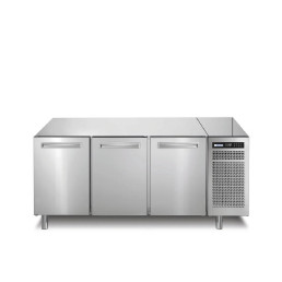 Kühltisch 252 l GN 1/1 3 Türen 1780 x 700 x 850 mm