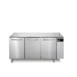 Tiefkühltisch 252 l GN 1/1 3 Türen für Zentralkühlung
